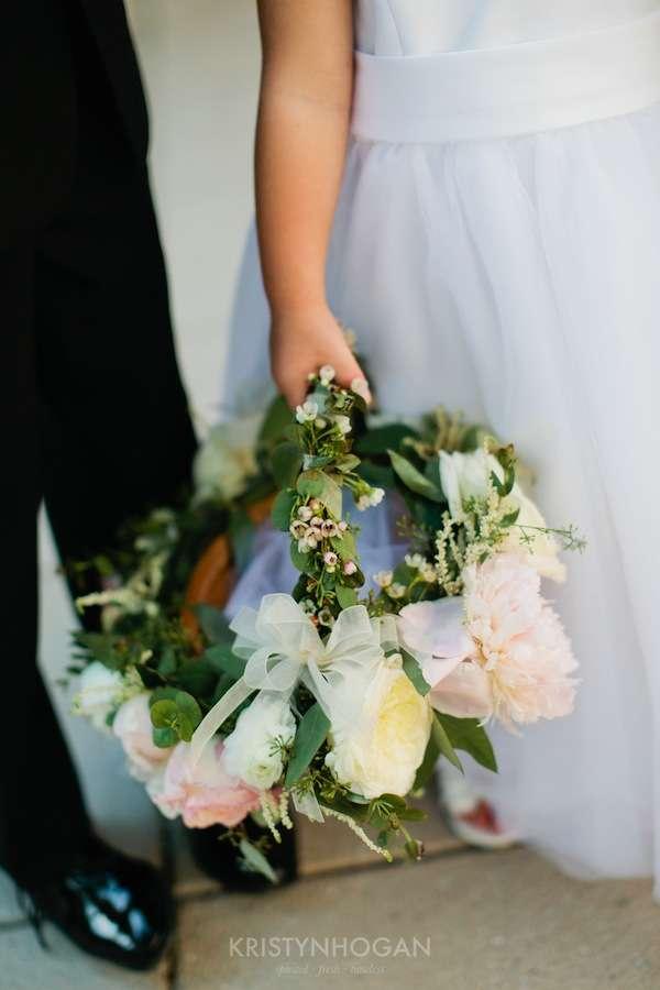 Enchanted Florist, Luxe White Wedding at Schermerhorn Symphony Center, Kristyn Hogan Photography -093